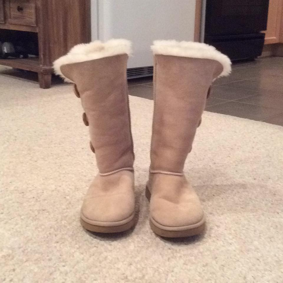 099ecab0a46 UGG Australia Cream Bailey Button Triplet Ii Boots Booties Size US 8 ...