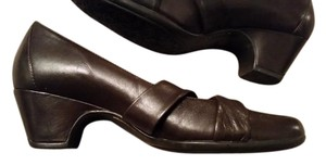 Clarks Chocolate Brown Pumps