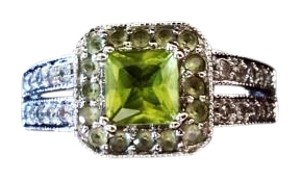 Jared White Gold Peridot & Diamond Ring