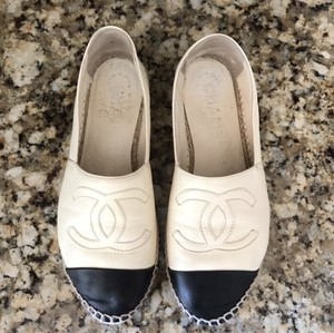 Chanel Espardilles Espadrille Ivory and black Flats