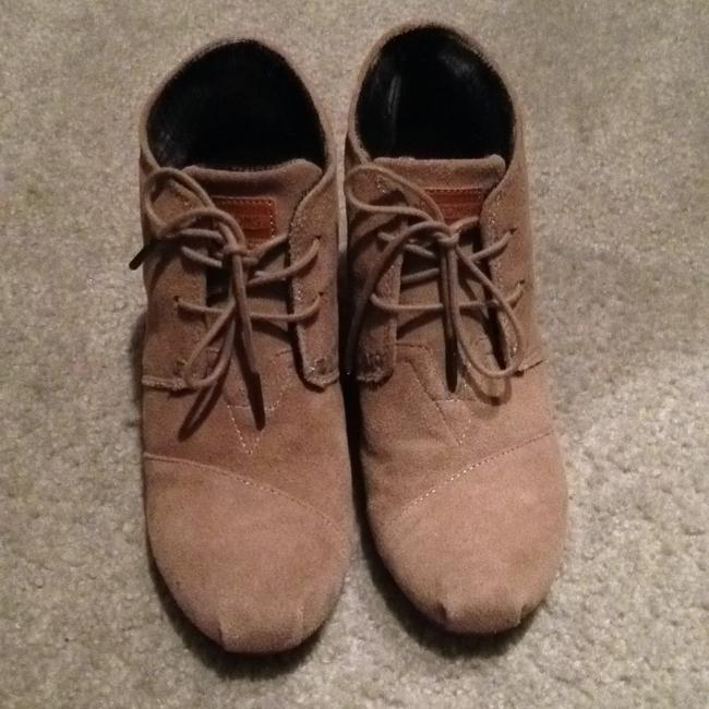 Item - Taupe Boots/Booties Size US 8.5 Wide (C, D)