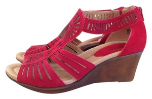 Earth Leather Backzip Red Sandals