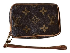 Louis Vuitton Louis Vuitton Trousse Wapity case / Style # M58030