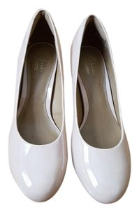 Clarks Nude Pumps