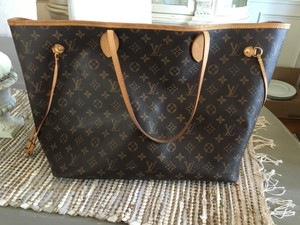 Louis Vuitton Monogram Lv Satchel in Neverfull
