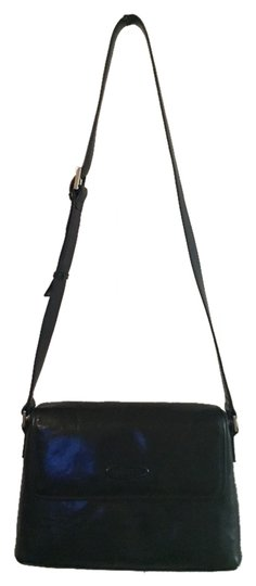 Preload https://item1.tradesy.com/images/oroton-leather-black-cross-body-bag-1996650-0-0.jpg?width=440&height=440