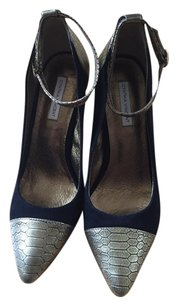 Twelfth St. by Cynthia Vincent Black and Gold Pumps