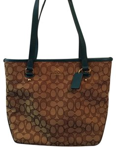 Coach Tote in Brown/Teal