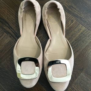 Roger Vivier Nude Flats