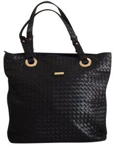 Rioni Tote in Black