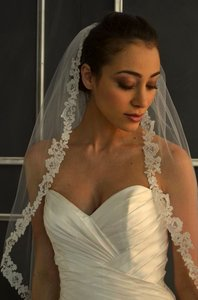 Ansonia Bridal Elegant Lace Crystal Ivory Wedding Veil
