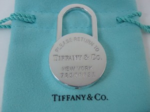 Tiffany & Co. Tiffany & Co RTT Round Lock keyring