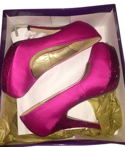 Madden Girl Round Toe Glitter Formal Platform Fuchsia Pumps