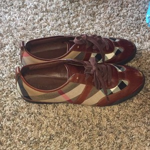 Burberry Brown and burberry print Athletic