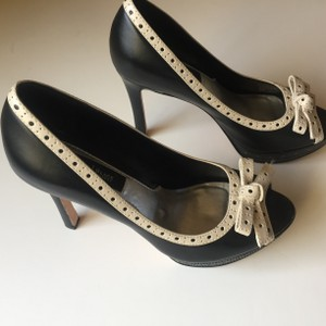 White House | Black Market Black/Cream Pumps