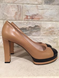 Chanel Classic Stiletto Leather beige Pumps