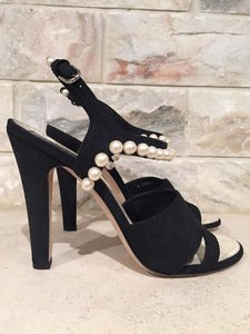 Chanel Pearl Stiletto Classic Cc black Pumps