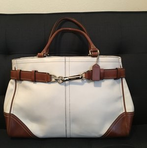 Coach Tote in White / Camel