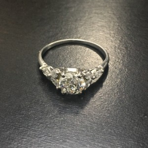 1.10 Carats Platinum Art Deco Vintage Diamond Ring