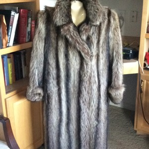 BEN KAHN NEW YORK. Fur Coat