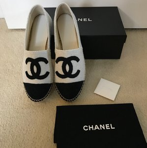 Chanel Espadrilles White/Black Flats