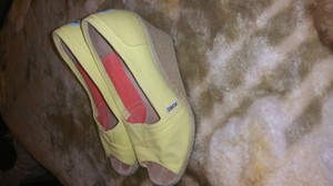 TOMS Yellow Sun Wedges Size US 6 Regular (M, B)