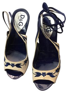 Dolce&Gabbana blue and white Pumps