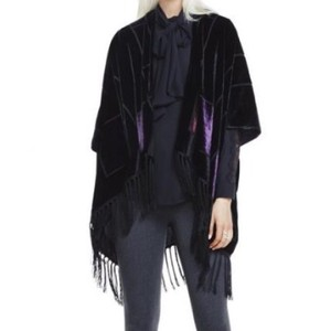 Vince Camuto Nwt New With Tags Velvet Fringe Hem Cape