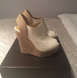 Gucci Off white Wedges