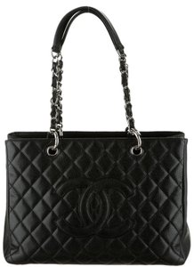 Chanel Gst Grand Shopping Flap Tote in Black