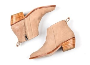Ariana Bohling Ankle Leather 2