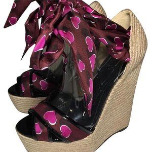 Gucci Wine and Black Wedges