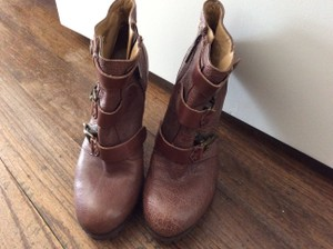 Nine West Distressed brown Boots