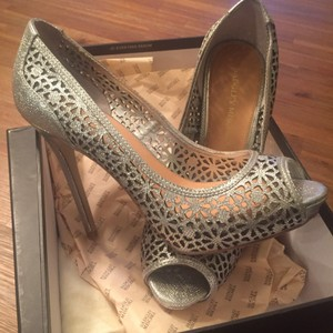 Badgley Mischka Pewter metallic Platforms