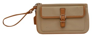 coach Wristlet in cream and tan leather
