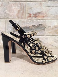 Chanel Camellia Flower Patent black Pumps