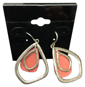 Silpada SILHOUETTE EARRINGS