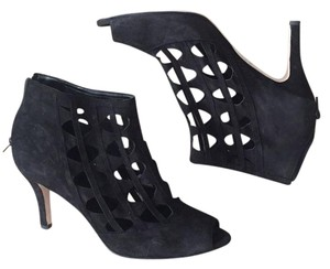 Vaneli Black Pumps
