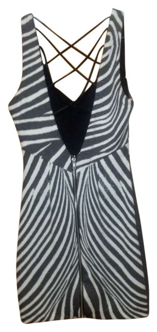 Preload https://item5.tradesy.com/images/bebe-white-and-black-low-v-back-zebra-print-cocktail-above-knee-night-out-dress-size-00-xxs-199839-0-0.jpg?width=400&height=650