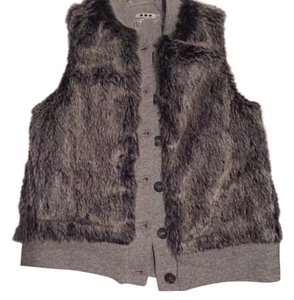 Three Dots Vest