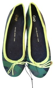 Gap Green Camo, Yellow Flats