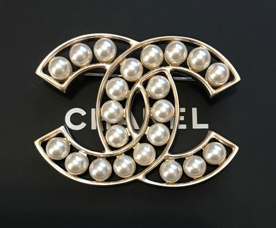 Chanel Chanel Large Classic Gold Metal White Pearls CC Logo Brooch Pin
