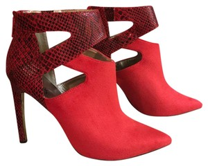 Luichiny Red Pumps