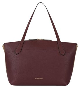 Burberry Tote in Mahogany Red/House Check