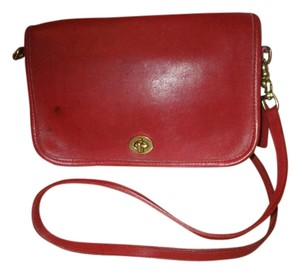 Coach Vintage Leather 9755 Cross Body Bag