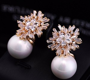 Snow Ice And Pearl Earrings