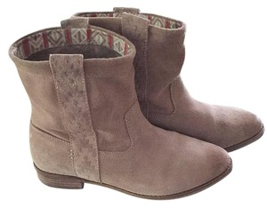 TOMS Neutral Boots