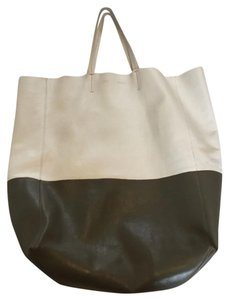 Céline Leather Beige Cabas Tote in White/Grey