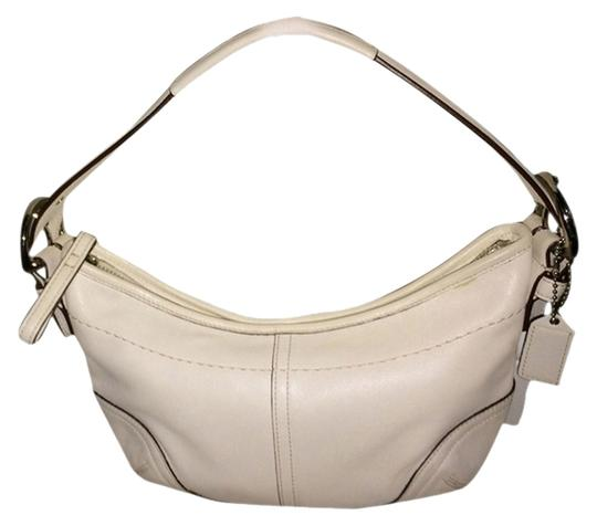 Preload https://item1.tradesy.com/images/coach-white-leather-hobo-bag-1998935-0-0.jpg?width=440&height=440