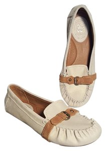 Ariat Suede Moccasin Loafer Flax Leather Stone (Ivory) Flats